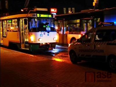 Ve Vratislavicích tramvaj porazila chodkyni