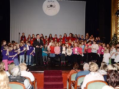 Tříkrálové zpívání v jabloneckém divadle zakončilo vánoční svátky