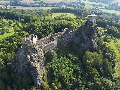 Letní nabitá sezona na hradech a zámcích pokračuje i v srpnu