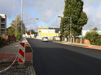 Nádražní ulice v Turnově má nový povrch až do Ohrazenic