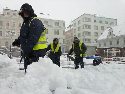 Zima v Jablonci na začátku dubna prověřila i pracovníky technických služeb