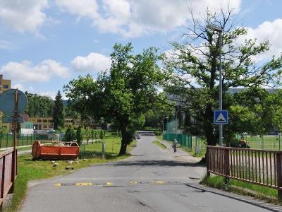 Hřiště v jablonecké ulici Čelakovského se dočká nového povrchu