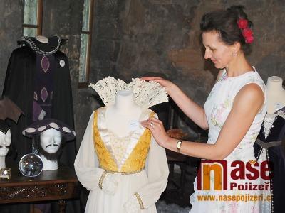Kostýmy Arabely, Slavěny či Večernice spatříte na Valdštejně