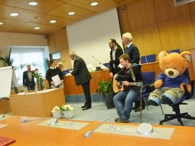 Vítězové 13. ročníku soutěže Vezmi žlutou barvičku si převzali ocenění