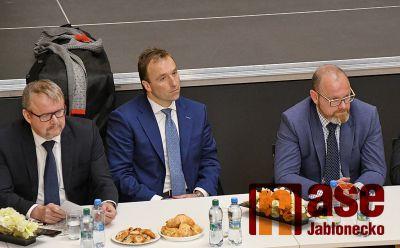 Vláda České republiky navštívila Liberecký kraj i přímo Jablonec