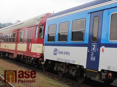 V Košťálově muž nepřežil střet s vlakem v kolejišti
