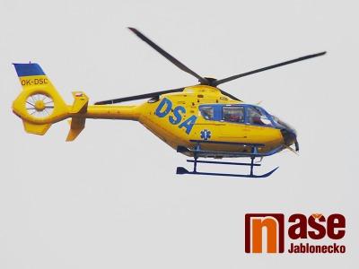 Pro zraněného motorkáře v Jirkově u Železného Brodu letěl vrtulník
