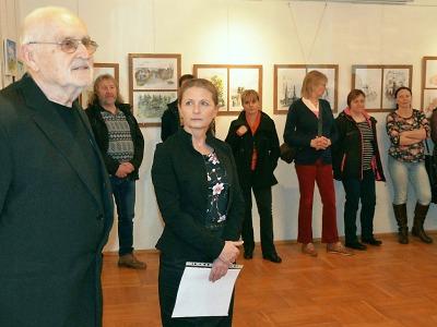 V Rychnově zahájili výstavu Milana Michalici a Jany Sládkové