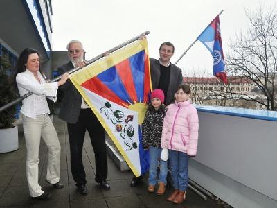 Potřetí v historii zavlála tibetská vlajka v sídle Libereckého kraje
