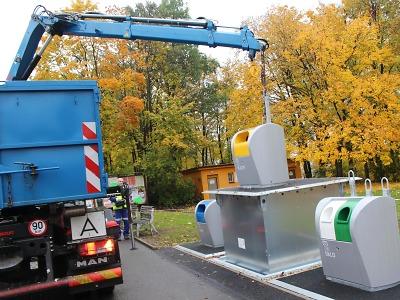 V Jablonci proběhl první vývoz podzemních kontejnerů