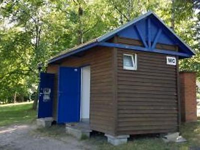Toalety u jablonecké přehrady jsou kvůli mrazu zavřené