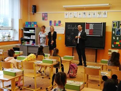 Do školních lavic zasedlo v Jablonci přes 470 prvňáčků