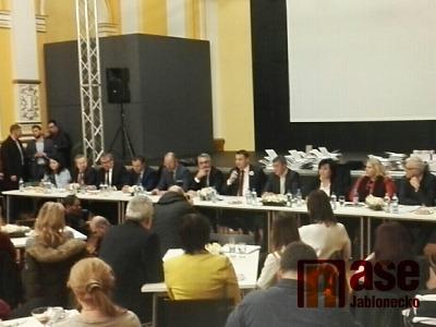 Obrazem: Zasedání české vlády v Jablonci nad Nisou
