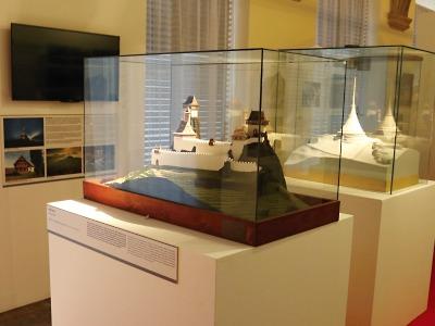 Vestibul krajského úřadu ozdobí putovní výstava Památky mého kraje