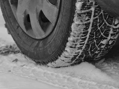 Řidiči v horách by měli být opatrní při parkování
