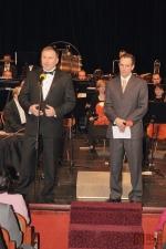 Starosta města Petr Beitl uvádí slavnostní koncert a předání Ceny  Pro Meritis Václavu Vostřákovi