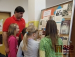 Výstava autogramů slavných osobností v pobočce Městské knihovny ve Mšeně v Jablonci nad Nisou.