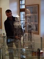Vernisáž výstavy s tvůrčí dílnou autora výstavy Ladislava Lokajíčka  v Galerii Belveder v Jablonci nad Nisou.