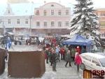 OBRAZEM: V Jablonci začaly vánoční trhy