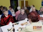 OBRAZEM: Starosta Desné zavítal mezi seniory