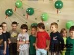 Předávání  výherního šeku za výhru v soutěži Věnuj mobil a vyhraj výlet  dětem ze Speciální MŠ na Palackého ulici v Jablonci nad Nisou školáky ze ZŠ Arbesova.