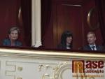 """Koncert u příležitosti Světového dne proti násilí na seniorech """"Ples v operetě"""", konaný v Městském divadle v Jablonci nad Nisou."""