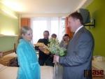 Starosta navštívil první miminko narozené v roce 2011 v jablonecké nemocnici