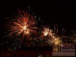 Oslavy příchodu nového roku 2013 - ohňostroje nad Jabloncem.
