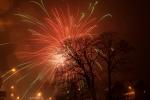Silvestrovský ohňostroj na hřišti v Kokoníně