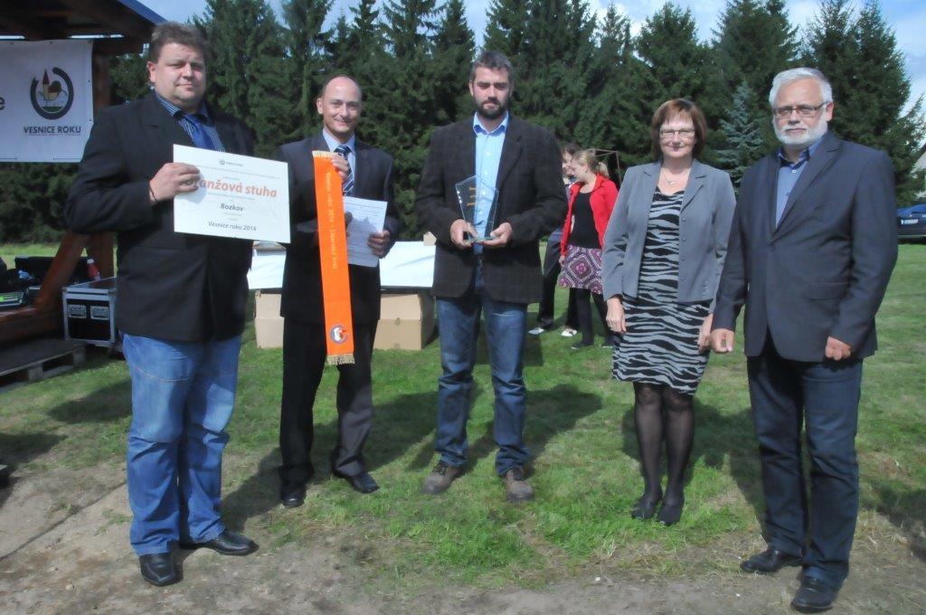 Dílčí cenu přebírá starosta Bozkova Stanislav Doubek<br />Autor: Archív KÚ Libereckého kraje