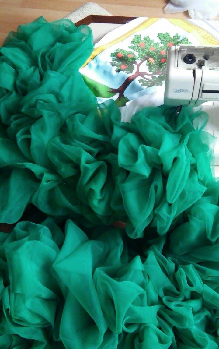 Jablonec nad Nisou má své reprezentační šaty - Naše Jablonecko - Pro ... d46e461303
