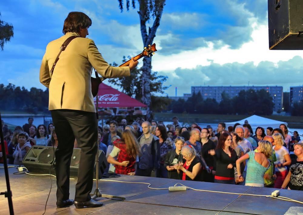 Koncerty v jabloneckých Slunečních lázních v rámci akce Město plné tónů