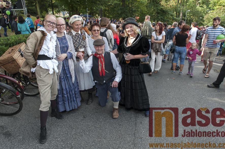 Spanilá jízda Stezkou Járy Cimrmana u příležitosti oslav Půlstoletí s Cimrmanem<br />Autor: Antonín Bělonožník