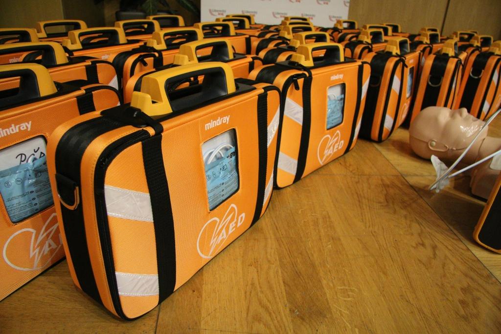 Slavnostní předání defibrilátorů v rámci projektu AED pro Liberecký kraj
