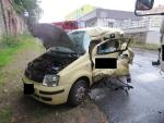 Při střetu s náklaďákem utrpěla zranění řidička osobního auta