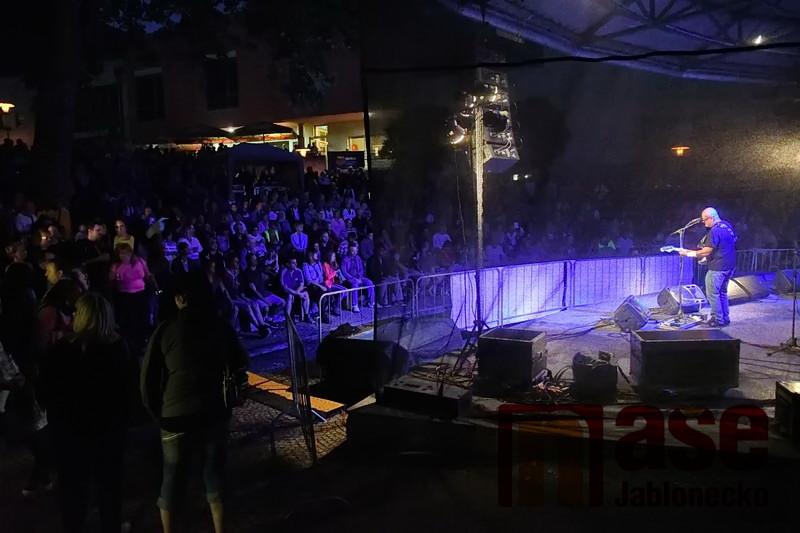 Kapela Abraxas na Jabloneckách pivních slavnosteh 2017