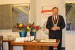 Předávání stříbrných a zlatých medailí dobrovolným dárcům krve na jablonecké radnici