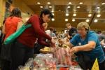 Klienti chráněných dílen se opět blýskli na krajských vánočních trzích