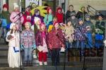 Obrazem: Vánoční zpívání na schodech v tanvaldské sportovce