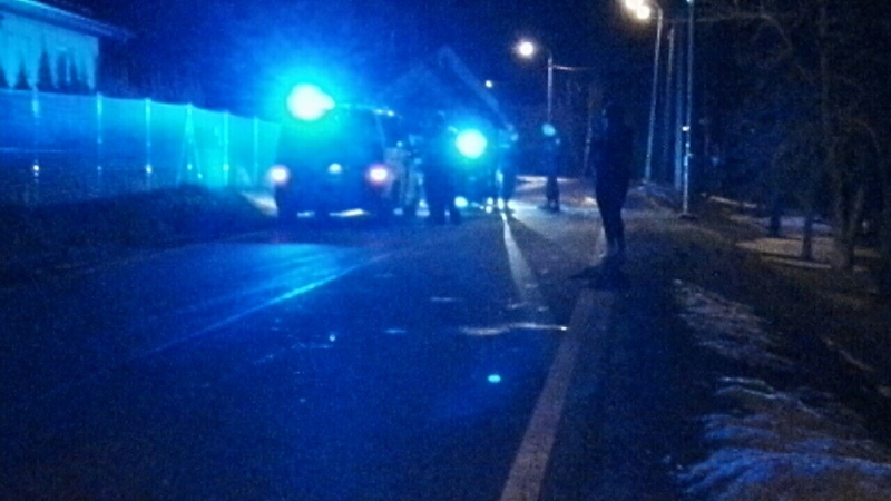 V Kokoníně se střetla dvě auta na ledovce