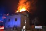 Požár bytového domu v Liberci na křižovatce ulic Klostermanova a Lázeňská