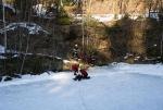 Hasičské cvičení záchrany osob z ledu v bývalém lomu v Jirkově