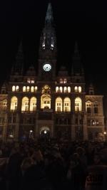 Demonstrace proti zvolení Zdeňka Ondráčka do čela komise pro kontrolu GIBS v Liberci