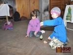 Obrazem:Kraslice, vůně guláše a hračky lákaly na velikonoční trhy