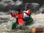 Tradiční vodácké odemykání řeky Jizera na Malé Skále