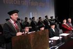 Děkan fakulty strojní Petr Lenfeld při svém projevu