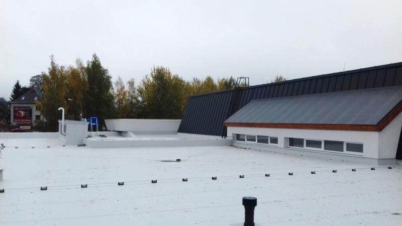 Nová střecha bazénu