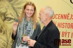 Tenistka Petra Kvitová v jablonecké mincovně a její medaile