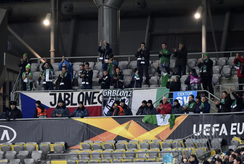 Jablonečtí fotbalisté a jejich fanoušci v Astaně