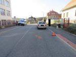 Muž se zákazem řízení narazil v Zásadě do jiného auta